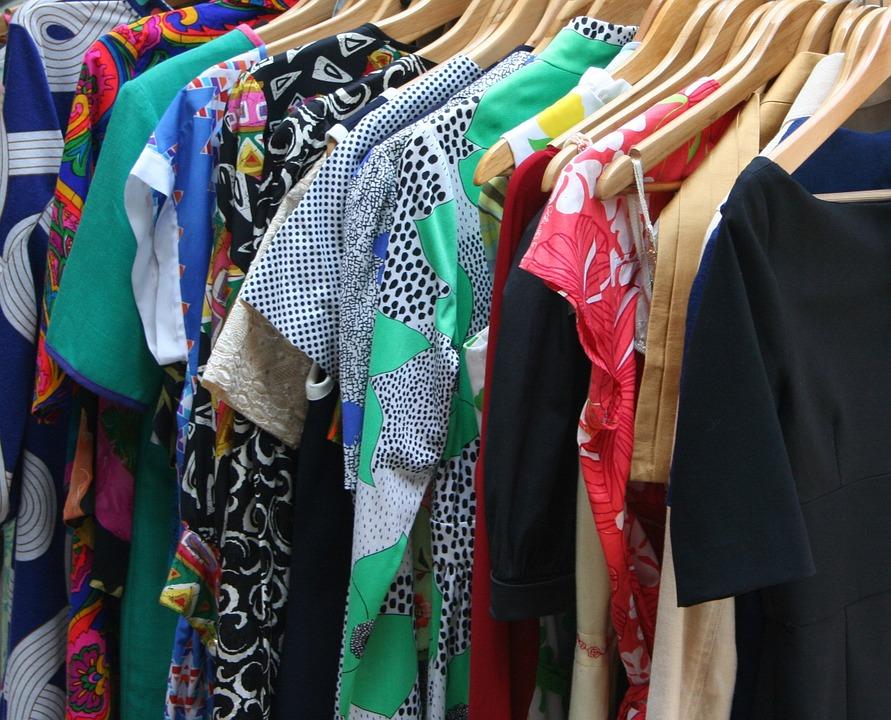 Le défroisseur vapeur : Une solution adéquat pour vos vêtements