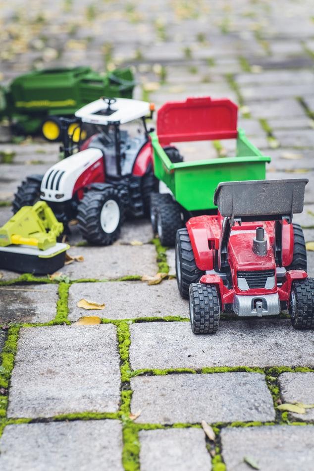 tracteur à pédales enfants