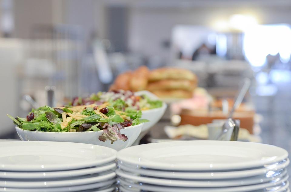 Étiquette pour les repas, les réceptions et le service